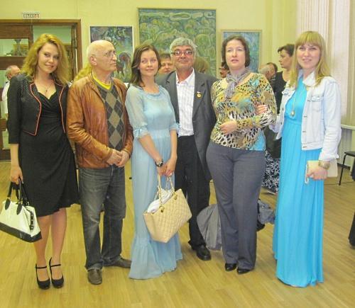 Художник А. Лолаев и его ученики и коллеги